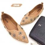 รองเท้าคัทชู ส้นแบน ทรงหัวแหลม หน้า V แต่งอะไหล่ดอกไม้ หมุดเพชรสวยหรู หนังนิ่ม ทรงสวย ใส่สบาย แมทสวยได้ทุกชุด (630-1)