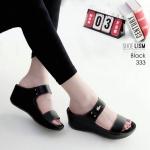 รองเท้าแฟชั่น ส้นเตารีด แบบสวม คาด 2 ตอน แต่งอะไหล่จรเข้สไตล์ลาคอสสวยเรียบเก๋ หนังนิ่ม ทรงสวย สูงประมาณ 2.5 นิ้ว ใส่สบาย แมทสวยได้ทุกชุด (333)
