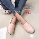 รองเท้าคัทชู ส้นแบบ ทรง slip on แต่งลาย CC สไตล์ชาแนล ส้นแต่งขอบเชือกถักสวยเก๋ หนังนิ่ม ทรงสวย ใส่สบาย แมทสวยได้ทุกชุด (319-1285)