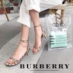 รองเท้าแฟชั่น ส้นเตี้ย แบบสวม รัดข้อ แต่งลายสไตล์ burberry สวยเรียบหรู หนังนิ่ม ทรงสวย สูงประมาณ 1.5 นิ้ว ใส่สบาย แมทสวยได้ทุกชุด (BU666)