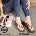 รองเท้าแฟชั่น ส้นเตารีด แบบหนีบ แต่งมุกสวยหรู พื้นนวมโซฟา หนังนิ่ม ทรงสวย สูงประมาณ 3 นิ้ว ใส่สบาย แมทสวยได้ทุกชุด (M246)
