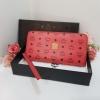 MCM Zippy Wallet สี Shocking pink