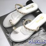 รองเท้าแตะแฟชั่น แบบสวมนิ้วโป้ง แต่งโซ่ทองสวยเก๋สไตล์ชาแนล วัสดุอย่างดี หนังนิ่ม ทรงสวย ใส่สบาย แมทสวยได้ทุกชุด
