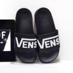 รองเท้าแตะแฟชั่น แบบสวม แต่งลายสไตล์ VANS สวยเก๋ วัสดุอย่างดี พื้นนิ่ม หนังนิ่ม ใส่สบายมาก แมทสวยได้ทุกชุด
