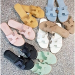 รองเท้าแตะแฟชั่น แบบสวม แต่งหน้า H สไตล์แอร์เมสสวยเรียบหรู หนังนิ่ม ทรงสวย ใส่สบาย แมทสวยได้ทุกชุด (G5-29)