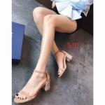 รองเท้าแฟชั่น ส้นสูง แบบสวม รัดข้อ หนังสักหราด ดีไซน์เปลือยเท้า ส้นแต่งกลิสเตอร์สวยหรูดูดีมาก หนังนิ่ม ทรงสวย สูงประมาณ 2.5 นิ้ว ใส่สบาย แมทสวยได้ทุกชุด