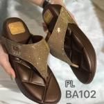รองเท้าแตะแฟชั่น เพื่อสุขภาพ แบบหนีบ แต่งหนังกลิสเตอร์และอะไหล่จรเข้สวยหรูสไตล์แบรนด์ พื้นโซฟานิ่ม ใส่สบาย แมทสวยได้ทุกชุด (BA102)