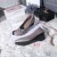 รองเท้าคัทชู ส้นเตารีด แต่งอะไหล่สไตล์แบรนด์สวยเรียบหรู หนังนิ่ม พื้นบุนิ่ม ทรงสวย สูงประมาณ 2 นิ้ว ใส่สบาย แมทสวยได้ทุกชุด (G318845) thumbnail 1