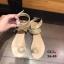 รองเท้าแตะแฟชั่น แบบสวมนิ้วโป้ง รัดข้อ แต่งอะไหล่คริสตัลสวยหรู สายไขว้พันข้อเก๋มาก หนังนิ่ม ทรงสวย ใส่สบาย แมทสวยได้ทุกชุด thumbnail 4