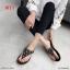 รองเท้าแตะแฟชั่น แบบหนีบ แต่งอะไหล่ดอกไม้เพชรสวยหวาน หนังนิ่ม พื้นนิ่ม ทรงสวย ใส่สบาย แมทสวยได้ทุกชุด (9018-10) thumbnail 4
