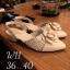 รองเท้าคัทชู ส้นเตี้ย รัดส้น แต่งผ้าลายทวิสและดอกคามิเลียสวยหวานไฮโซสไตล์ชาแนล หนังนิ่ม ทรงสวย สูงประมาณ 1.5 นิ้ว ใส่สบาย แมทสวยได้ทุกชุด thumbnail 1
