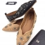 รองเท้าคัทชู ส้นแบน ทรงหัวแหลม หน้า V แต่งอะไหล่ดอกไม้ หมุดเพชรสวยหรู หนังนิ่ม ทรงสวย ใส่สบาย แมทสวยได้ทุกชุด (630-1) thumbnail 2