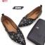 รองเท้าคัทชู ส้นแบน ทรงหัวแหลม หน้า V แต่งอะไหล่ดอกไม้ หมุดเพชรสวยหรู หนังนิ่ม ทรงสวย ใส่สบาย แมทสวยได้ทุกชุด (630-1) thumbnail 4