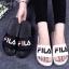 รองเท้าแตะแฟชั่น แบบสวม แต่งลายสไตล์ Fila สวยเก๋ วัสดูอย่างดี หนังนิ่ม พื้นยางนิ่มยืดหยุ่น ทรงสวย ใส่สบาย แมทสวยได้ทุกชุด thumbnail 2