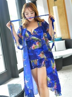 ชุดว่ายน้ำคนอ้วน พร้อมส่ง :ชุดว่ายน้ำไซส์ใหญ่สีน้ำเงินแต่งลายดอกไม้สีสวยสดใส set 3ชิ้นมี บรา กางเกงขาสั้นติดกระโปรง และเสื้อคลุมแบบเก๋ สวยมากๆจ้า:รายละเอียดไซสคลิกเลยจ้า